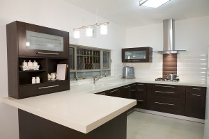 Modern Sleek Kitchen Counter Tops using Quartz Engineered Surfaces